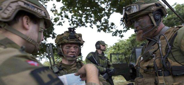 Satsing: Det norske forsvaret skal styrkes videre, blant annet gjennom en stor økning i personell de neste åtte årene, hevder forsvarsminister Frank Bakke-Jensen i sin kronikk.