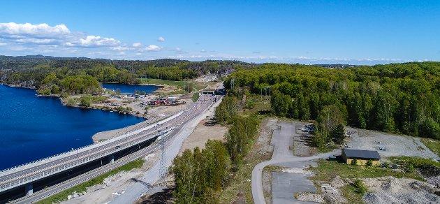 BERGELØKKA: Den foreslåtte traseen vil rasere Bøkeskogen ned mot Kilen, gi en ny viadukt gjennom skogen og flytte byutviklingen i Larvik bort fra Fjordbyen, skriver Bård Jervan i denne kommentaren.