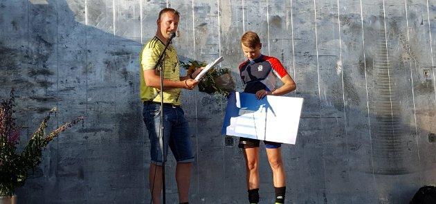 Per Einar Skjæret Strømhaug ble tildelt Hans Hoels minnepris for sine bravader i kombinert, prisen ble utdelt av leder i Folldal IF Hans Martin Bjørkeng