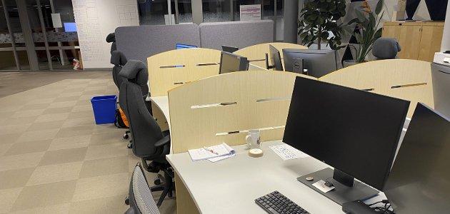 KORONATID: Under koronaen står mange kontorstoler tomme på mange arbeidsplasser. Mange psykologer roper et varsku over at hjemmekontor skaper ensomhet. For denne skribenten ble hjemmekontor en bevisstgjøring om hva som er viktig.