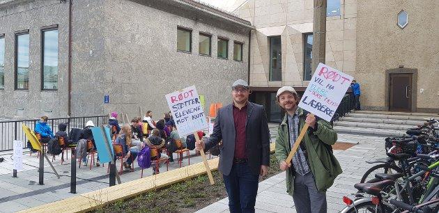 Rødt, her ved Andreas Tymi og Gunnar Mikalsen Kvifte, støtter elevene som aksjonerer mot skolekutt.