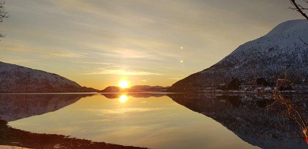 Bilde er tatt i Kattfjord på Kvaløya, en avsidesliggende bygd.