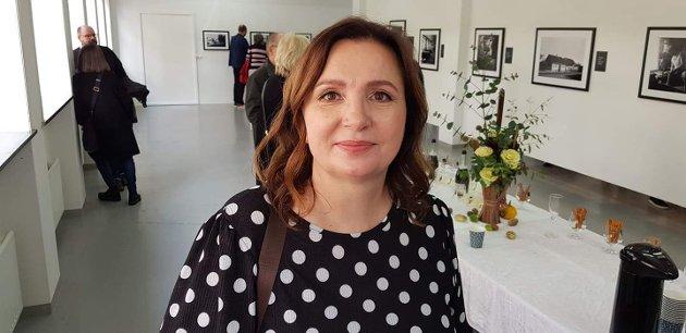 """SUKSESS: Karianne Arntzen har i disse dager suksess med utstillingen """"Dette er din by"""" på Kinokino. Her lanserer hun også en idé om hvordan byen kan bli brukt mer."""