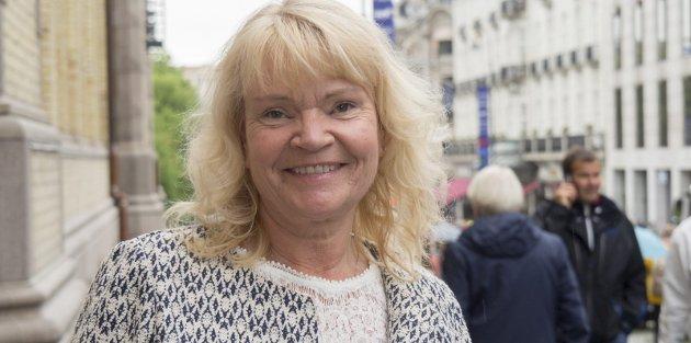 Kari Kjønaas Kjos (Frp) skriver  at ønsket om å motvirke kjønnslemlestelse tilsier at avvergingsplikten bør gjelde for alle.