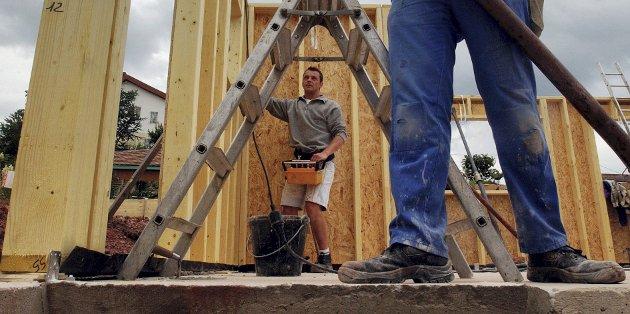Få søkere: Rekrutteringen svikter til byggebransjen, påpeker kronikk-skribentene.