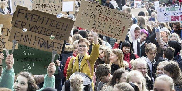 Støtte: Besteforeldrenes klimaaksjon ved Elisabeth Tveter Brisei støtter opp om ungdommenes klimaaskjon.