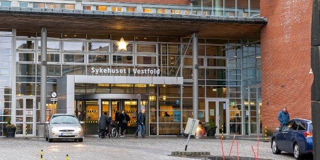 SPRENGT? Holmestrand-politikerne har merket seg at SiV har en høy andel korridorpasienter, og er skeptiske til om sykehuset har kapasitet til også å ta imot pasienter fra tidligere Sande kommune.