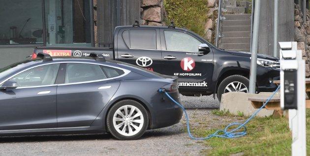 Litt over klokka ni tirsdag morgen parkerte Tande i Midtstuen.