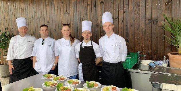 SATSER: Disse elevene ved Greveskogen videregående har valgt å satse på matfag.
