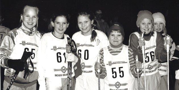 Mossemarka, onsdagsrenn uten snø i 1989.  På bildet fra v. (Ukjent), Kristin Bromander, Nina Marie Pedersen, Ingunn Kvalvik, Marianne Kauserud Bræck (tidligere Arnesen) og Marthe Nyheim.