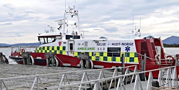 «Øyvakt» går kanskje 30 knop i smul sjø. Utnytt dette og flytt landingsplassen til det nedlagte fergeleiet på Høgset, foreslår Knut-S. Sørbø.
