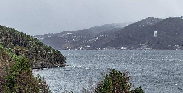 Tingvollfjorden mot Raudsand.