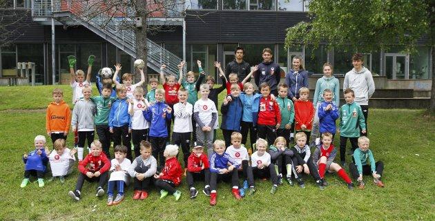 Helgelendingen fotballskole 2019 ble avsluttet fredag. Da hadde 150 unger spilt fotball i fem dager. Bilder: Per Vikan