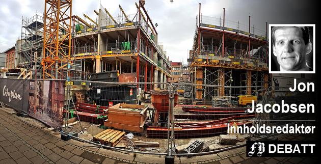 Nygaardsplassen er ikke lenger Den døde plass. Nå er det full byggeaktivitet. Til våren skal byens nye torg med restauranter, butikker og leiligheter stå klart.