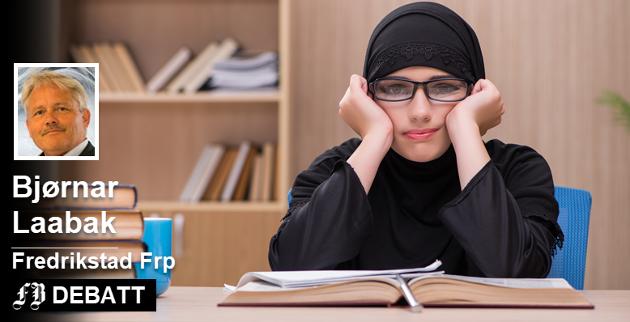 Bjørnar Laabak ser tegn til at skolejenter i Fredrikstad blir presset til å bruke hijab. – Eller symboliserer hijab noe annet i vår by enn for eksempel Iran? spør han.