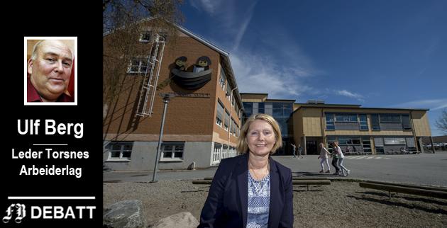 Ulf Berg frykter at regelen om maksimum avstand mellom hjem og skole gjør at kapasiteten ved Torsnes skole (her med rektor Anne Grete Lindahl i front) ikke blir utnyttet og at det hinder nybygging i bygda.