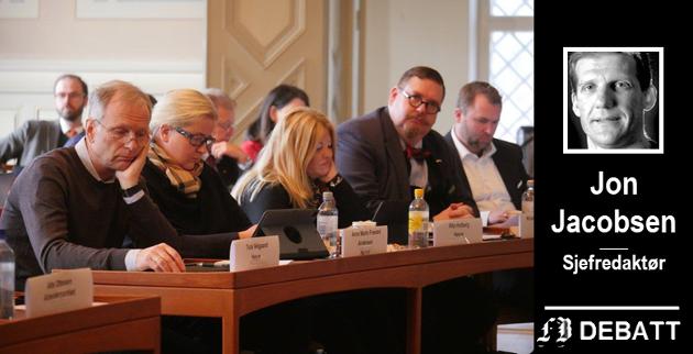Best på brev: Hærfører Truls Velgaard (til venstre) og resten av Høyres bystyregruppe er på hugget i leserbrevspaltene. Men hvor blir det av den kritiske brodden i de rom hvor makten utøves? spør FBs Jon Jacobsen.