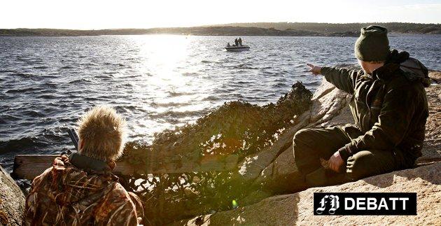 Det har etter siste jakttidsrevisjon blitt restriksjoner på sjøfugljakt som jegerne ikke er særlig fornøyd med. Bilde fra jakt i Utgårdskilen, fra en tidligere reportasje i FB