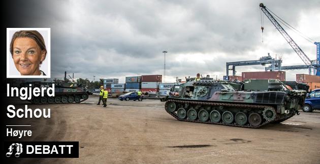 – Store mengder militært materiell og tusenvis av kjøretøy ankommet i en jevn strøm i flere uker, kommenterer Ingjerd Schou.