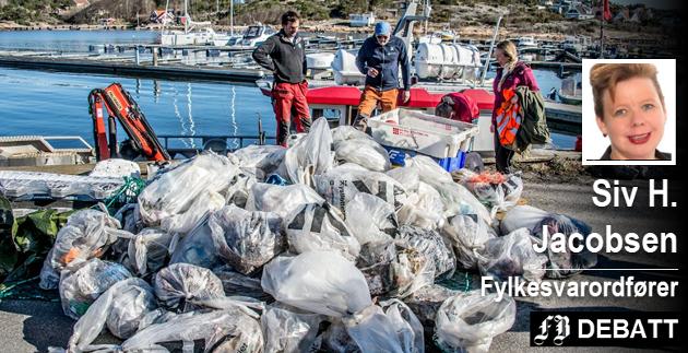 Skjærgårdstjenesten fjerner hvert år tonnevis av plast fra standsonen.  – Vi kan alle gjøre noe mer enn å være bekymret, og da kan Oslofjorden være et godt sted å intensivere innsatsen, skriver Siv H. Jacobsen.
