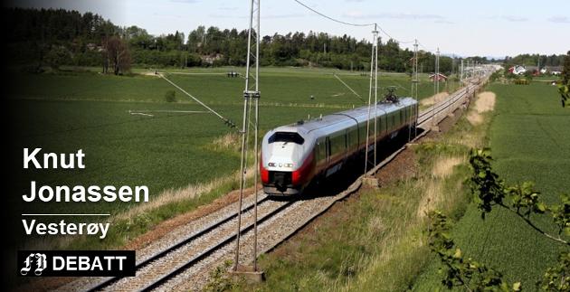 Knut Jonassen mener at stortingsrepresentant Siv Henriette Jacobsens etterlater tvil om Intercity-bane gjennom byene i Østfold dekker fremtidig behov. Foto: Espen Vinje