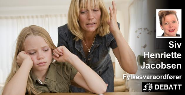 – Foreldre skal være forsiktige med å  sette seg på bakbena når barna vil ta et praktisk yrke, mener Siv Henriette Jacobsen, og understreker at det er store muligheter for å videreutdanne seg innen de fleste yrker.