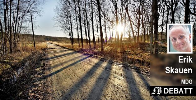 – I tillegg til at vi trenger en frisk og mangfoldig natur for å leve, er jo også naturen menneskets viktigste arena for rekreasjon og trening, skriver Erik Skauen. Bilde fra  Gansrød-skogen som ble vernet i desember 2017.