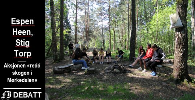 Mørkedalen fremheves som et meget verdifult turområde for Lisleby-området. Bildet viser en skoleklasse som bruker skogsområdet i naturfagundervisningen.