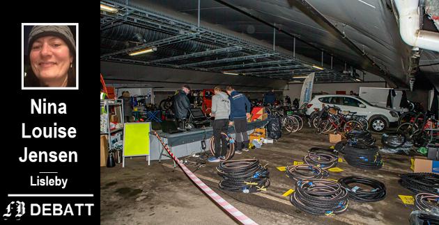 Tre av byens sykkelverksteder gjorde jobben med at skifte dekk for interesserte vintersyklister. Kritikken i dette innlegget går på at nye dekk var for dyre, selv etter rabatt.