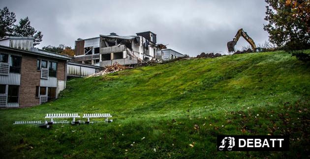 Onsøyheimen ble revet høsten 2017. Den gang var 2021 satt som startdato for nytt sykehjem på tomten.