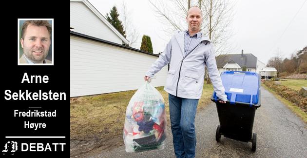 Renovasjonssjef André Svendsen oppfordret til økt kildesortering av plast i en reportasje i FB i fjor. Nå vil Høyre at dette skal premieres.