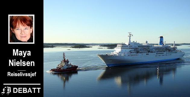 – Selv om cruisenæringens 314 skip representerer mindre enn én prosent av verdensflåten, så investerer denne delen av skipsfarten mest i alle typer miljøvennlig teknologi, heter det i Maya Nielsens innlegg. Bildet viser cruiseskipet Thomson Celebration under visitt i Fredrikstad.