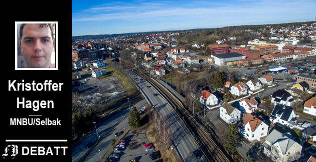 Grønli, med Glemmen videregående skole til høyre i bildet. Det er her ny stasjon skal bygges, ifølge Bane Nors plan.  – På tross av hva man kan få inntrykk av i debatten, er  det ikke her problemene med dobbeltsporet ligger, mener Hagen.