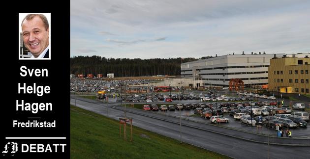 Få ledige plasser ved parkeringen på Kalnes. Hagen spør i innlegget om all tilgjengelig parkeringbør frigis til ansatte der et for få plasser.