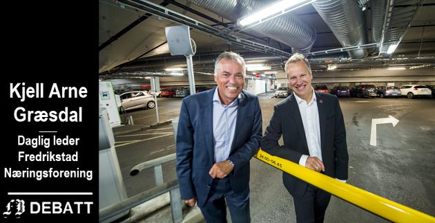 Kjell Arne Græsdal og Jon-Ivar Nygård smilte begge bredt da de lanserte nyheten om gratis parkering i parkeringshusene i august 2015.
