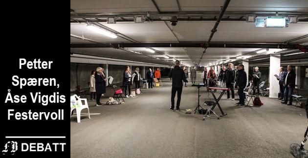 Risikoret med dirigent Henrik Brusevold testet ut Apenesfjellet parkeringshus mens kor og korps formelig skriker etter mulige øvingslokaler.