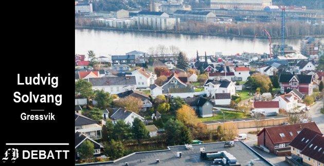 Solvang er særlig opptatt av Gressvik. Bildet viser området mellom Coop Extra (som vi ser taket av) og Vesterelva. – Det er ikke lenger like attraktivt å bo  i den rolige småhusbebyggelsen nede ved elva, skriver han.