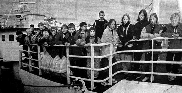 Elever fra  Bøstad- og Skotnes skole fikk være med fiskerifagskolens øvingsfartøy «Unni Marie» på tur. Turen var et ledd i prosjektet «bedre rekruttering til fiskerinæringene».