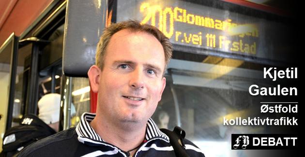 – Det er samme kapasitet på bussene i år som i fjor, og skolebusser skal ha plass til alle, forsikrer markedssjef Kjetil Gaulen i Østfold kollektivtrafikk. Arkivfoto: Svein Halvorsen
