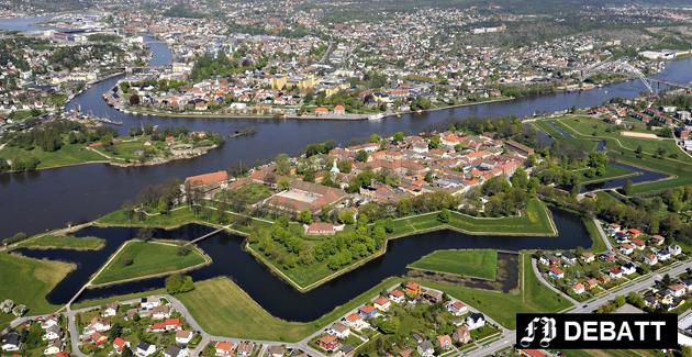 Dagens Fredrikstad med en 450 år gammel oase i forgrunnen og bak der den nye byen som ble planlagt for 250 år siden. I dag er den igjen hektisk utbyggingsområde som ordføreren varsler skal bli tettere og høyere.