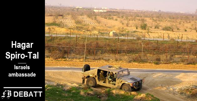 Israelsk jeep ved grensen til Gaza. – Hver dag frakter hundrevis av lastebiler varer med blant annet mat og medisiner inn i Gaza. Mange mennesker fra Gaza blir behandlet ved israelske sykehus, hvilket regelmessig bombes av Hamas, skriver ambassaderåd Spiro-Tal.