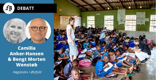 """Lærerstudenter ved HiØ underviser en """"liten"""" gruppe på 60-70 elever, snaut halvparten har pulter, under studietur til Malawi."""