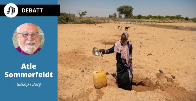 25 år gamle Habiba Adam Adam fra den lille landsbyen Treij i Darfur i Sudan står i mange kriser samtidig. Det har hun gjort hele sitt liv. Hun kjemper mot sult, skittent vann, klimaendringer, konflikt og covid-19.