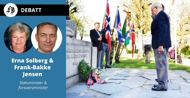 Kirkeparken i Fredrikstad 8. mai 2008. Lars Aker, som selv var krigshelt, sto for den årlige kransenedleggelsen ved monumentet til minne om dem som ga sitt liv 1940 til 1945.