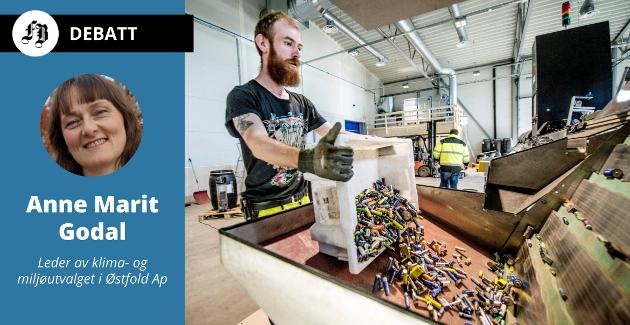 – Her ligg Fredrikstad allereie langt foran i løypa, skriv Godal om dei grøne industriarbeidsplassane som blir skapt på Øra. På arkivbildet: René Olsen på Batteriretur.
