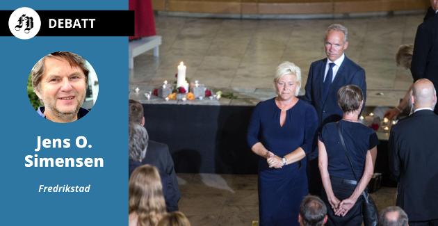 Finansminister Siv Jensen (Frp) og kommunal- og moderniseringsminister Jan Tore Sanner (H) under gudstjeneste i anledning  terrorangrepene på Regjeringskvartalet og på Utøya. Nå ber Jens O. Simensen høyresiden ta oppgjør med terroristens forkvaklede syn.