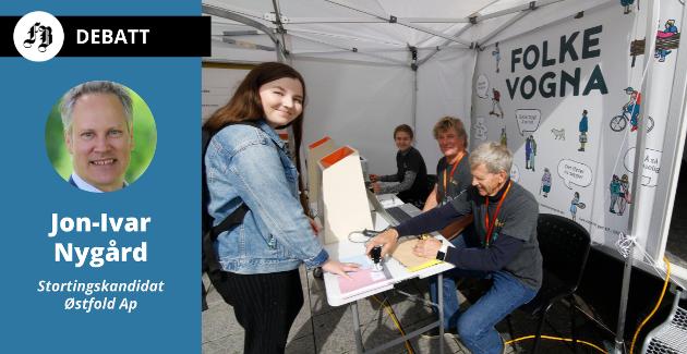 – Forhåndsstemmingen mer enn doblet seg sammenlignet med forrige valg, understreker ordfører og kommende stortingsrepresentant Jon-Ivar Nygård. Illustrasjonsbilde av stemmelokalet «Folkevogna» fra kommunevalget i 2019.