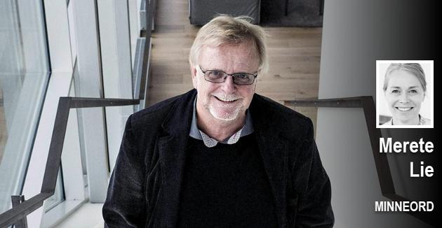 Klaus Hagerup var viktig bidragsyter til Litteraturhuset i Fredrikstad der dette bildet er tatt.  Daglig leder Merete Lie ble etter hvert en god venn av forfatteren.