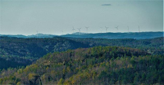 YTRING: Tonstad vindkraftanlegg fotografert i oktober, sett fra Kvinesheia.