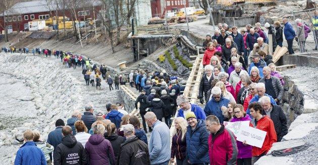 OPO-marsj: Vi kan gå så mange marsjer vi vil. Når alt skal avgjøres vil ekspertenes mening bli avgjørende, skriver Jan Gravdal.